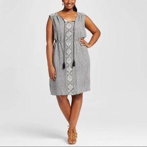 🌿AVA & VIV • black/white boho tassel dress